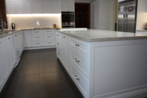 Charming This Is Why Most L Shaped Kitchens Now Include An Island Bench, As The  Benefits Through Both A Social And Practical Lens Are Many.